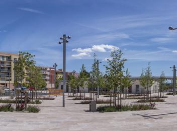 Multimodal Transit Hub carpentras_ Square parks